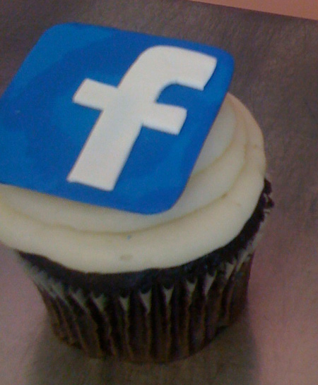 Facebook cupcake